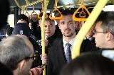 «Передаем за проезд, граждане пассажиры», - объявил Максим Мусеев. Логично: он директор всего наземного пассажирского транспорта в городе