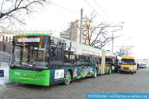 Четыре троллейбуса вышли на маршруты уже 25 января 2011 года.