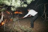 Президент Украины тушит пожар