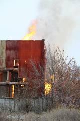 В Харькове возле завода Шевченко громко горело