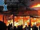 Пожар в торговом центре Барабашово в Харькове