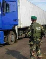 Зачем грузовику 12 домкратов?