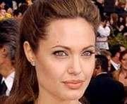 Анжелина Джоли родила мальчика и девочку