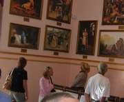 Картины Репина… на вокзале в зале ожидания