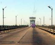 Кременчуг запретит движение грузовиков по мосту через Днепр