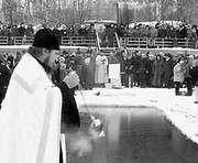 Крещение. Харьковчане святят воду: где и когда (график)