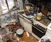 Пожар в Харькове: пока женщина готовила еду, сгорело полквартиры (ФОТОРЕПОРТАЖ)