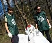 Харьковские волонтеры привели в порядок территорию Ботанического сада