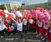 Харьковская площадь Свободы стала танцплощадкой