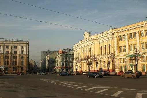 На площадь Конституции в Харькове возвращаются танки