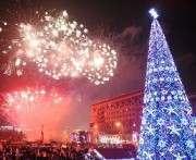 Почти сто тысяч харьковчан встретили Новый Год у городских елок