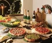 Объедание в праздники чревато нарушением обмена веществ