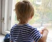 В Харькове ребенок выпал из окна: новые подробности