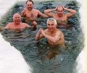 Медики рекомендуют на Крещение нырнуть в прорубь