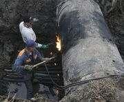Авария водовода на Салтовке: воду подвезут цистернами