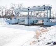 В харьковских водоемах начинают понижать уровень воды