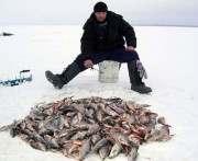В Харьковской области двое рыбаков провалились под лед