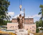 В Харькове начали устанавливать новый памятник