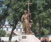 В харьковском сквере появился Андрей Первозванный