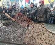 Противостояние продолжается: Майдан не принял предложения президента