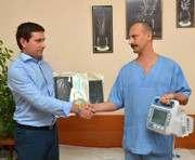 В Харькове благотворители передали военным врачам имущества на 200 тысяч гривен