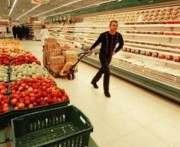 Россияне начали массово скупать продукты в Финляндии