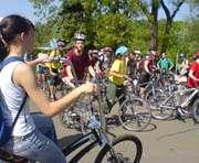 Почему некоторые харьковчане приехали на работу на велосипедах