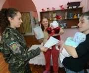 Малыши в Харьковском СИЗО получили документы
