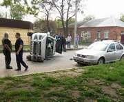 ДТП на улице Полевой: один из автомобилей перевернулся (фото)
