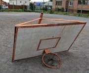 Происшествие в Харькове: на школьника упал баскетбольный щит