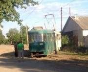 В центре Харькова пассажиры толкали трамвай