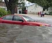 В Крыму ливень вызвал наводнение: видео