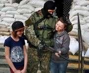 Наблюдатели ОБСЕ заметили среди сепаратистов вооруженных детей