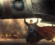 Warner Bros. опубликовала синопсис «Бэтмена против Супермена»