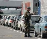 На границе с Крымом образовалась очередь из фур на несколько километров