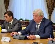 Генпрокурор уволил пойманных на взятке прокуроров