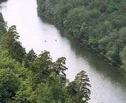 Речку под Харьковом загрязняли нефтепродуктами