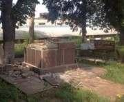 В Харькове снесли еще один памятник Ленину: фото-факт