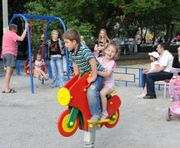 В Харькове активно ремонтируют детские и спортивные площадки