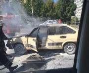 В Харькове на ровном месте сгорела машина