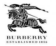 Burberry предложил клиентам самим создавать шарфы