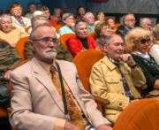 Ветеранов Харькова наградили почетными грамотами горсовета