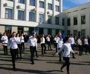Харьковские студенты поздравили военных с Днем защитника Украины: видео