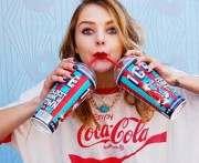 Coca-Cola выпустила коллекцию одежды в честь стеклянной бутылки