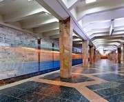 В харьковском метро парень пытался покончить жизнь самоубийством: фото-факты