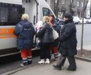 В центре Харькова мать бросила двухлетнюю девочку: фото-фидео-факты