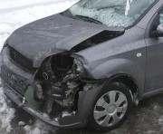 ДТП в Харькове: в Рогани столкнулись два автомобиля и троллейбус