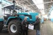 ХТЗ выпустил первый трактор с двигателем Volvo