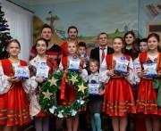Украинские хоккеисты вручили детям Донецкой области новогодние подарки