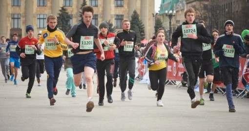 Международный марафон в Харькове: бегут даже собаки